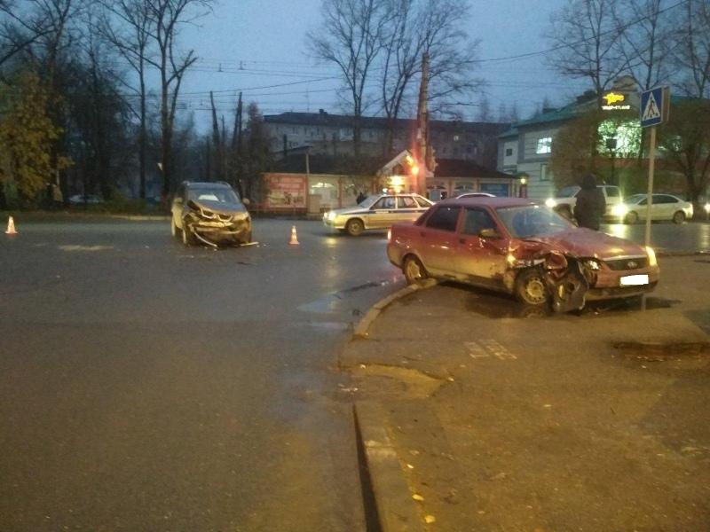 За прошедшие дни с 18 по 20 октября на территории Вологодской области зарегистрировано 13 дорожно-транспортных происшествий в которых 15 человек получили травмы