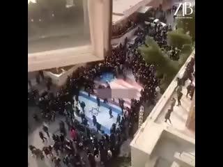 В Иране митингуют студенты.mp4