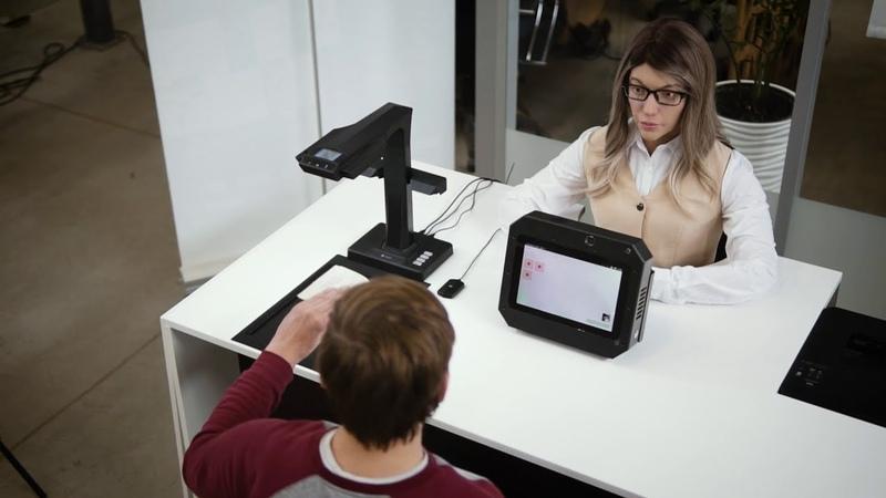 Впервые в России робот двойник человека помогает получать госуслуги в МФЦ Promobot