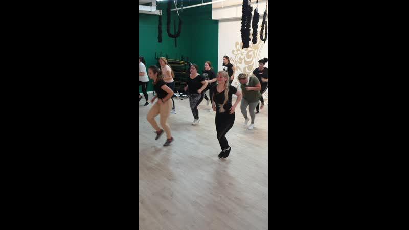 Танцуй и худей - прямое включение с занятий в Олимпе