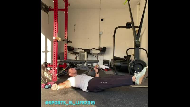 Комплексное упражнение на пресс и грудные мышцы rjvgktrcyjt eghfytybt yf ghtcc b uhelyst vsiws