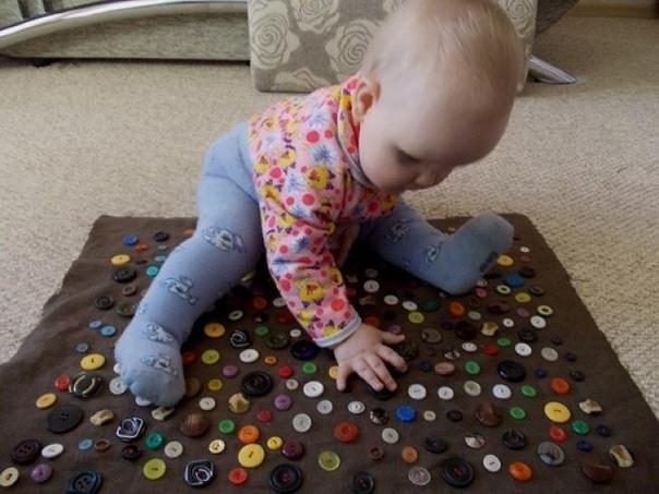 100 отличных способов увлечь ребенка, пока мама занята Нередко бывает, что маме нужно доварить суп или доделать важное дело, а ребенок просит внимания. И тогда приходится срочно придумывать, чем