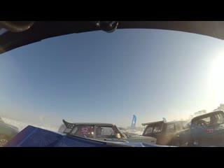 Эпичное видео массовой аварии во время гонок на Верх-Исетском пруду.
