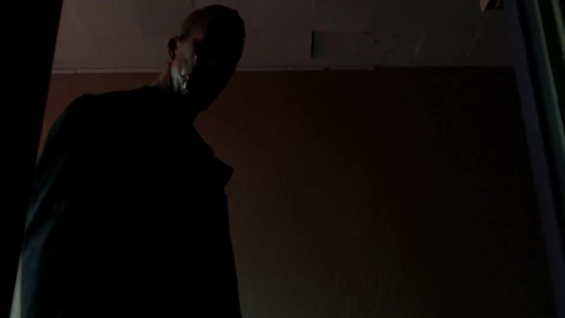 Секретные материалы Снова дома нападение Человека с пластырем