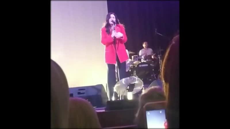 Отрывки видео с концерта Ирины Дубцовой в Каневской (5.12.19)
