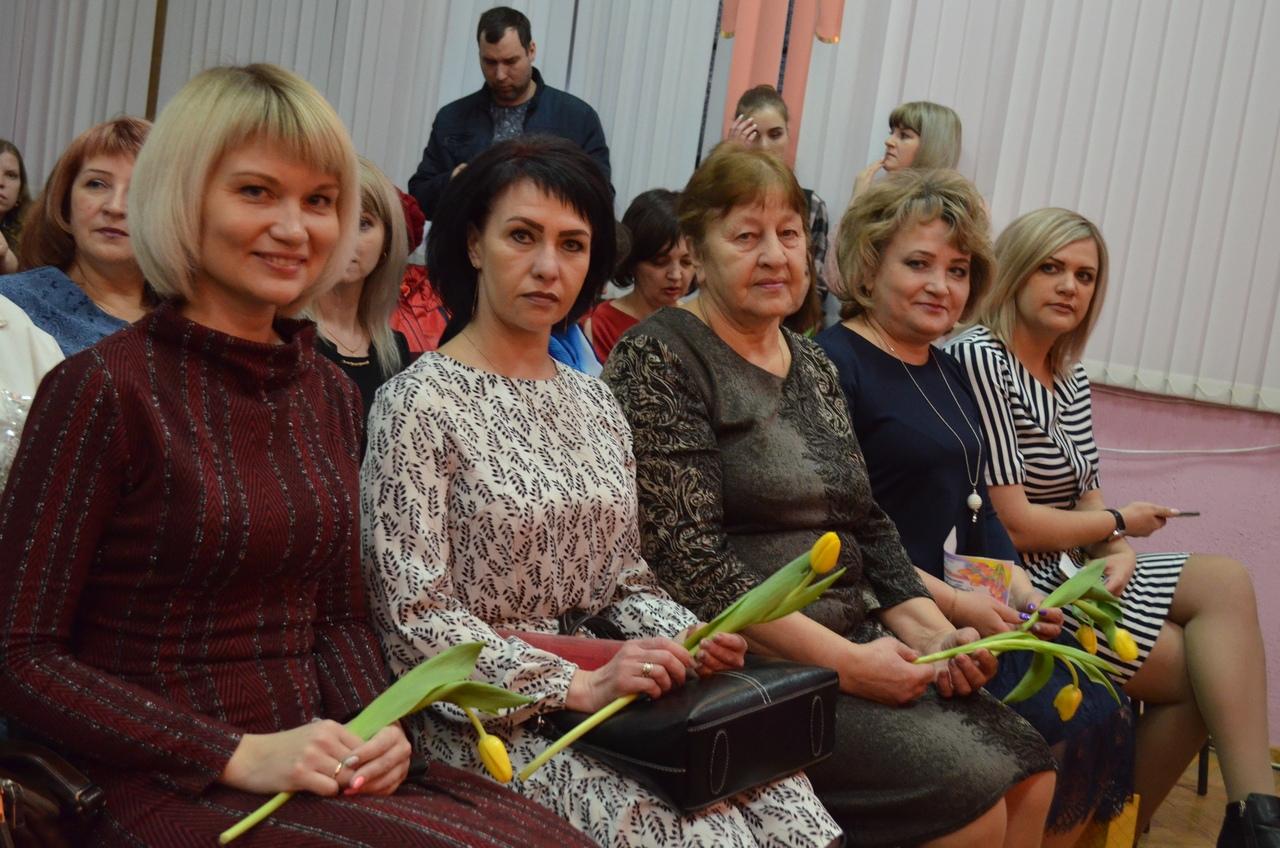 На районном торжестве жительниц Петровска поздравили с Международным женским днём