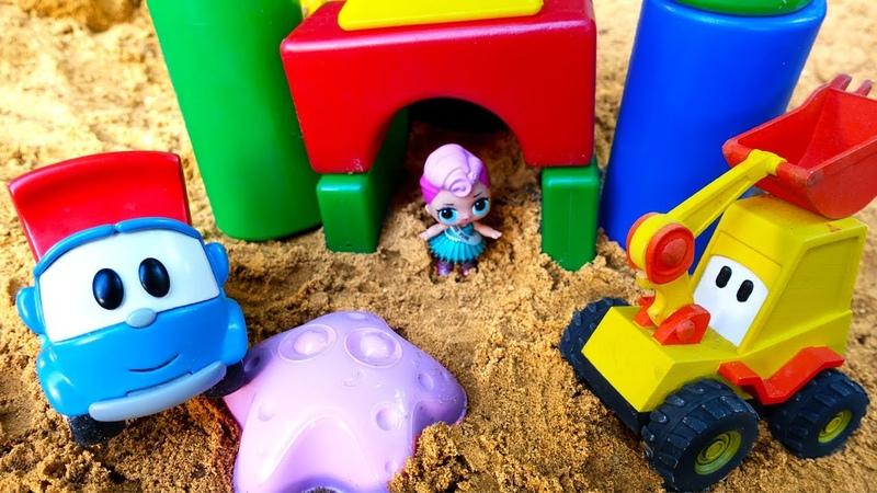 Leo der Lastwagen spielt im Sandkasten - 2 Folgen am Stück - Spielzeug Video auf Deutsch