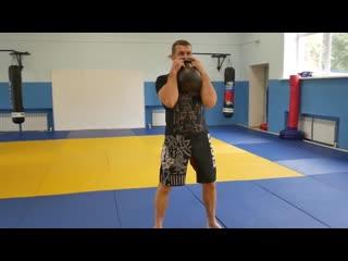 Как прокачать все тело за 9 минут. Интервальная тренировка с гиреи для боица ММА. Гибкии формат.