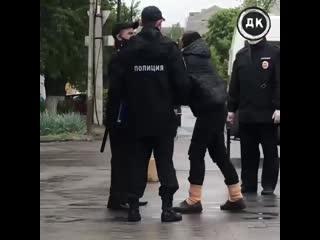 Брянская полиция чуть не подралась со стариками, которые нарушили самоизоляцию | Дерзкий Квадрат