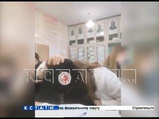 Урок курения - в школе разразился скандал из-за курения за партами