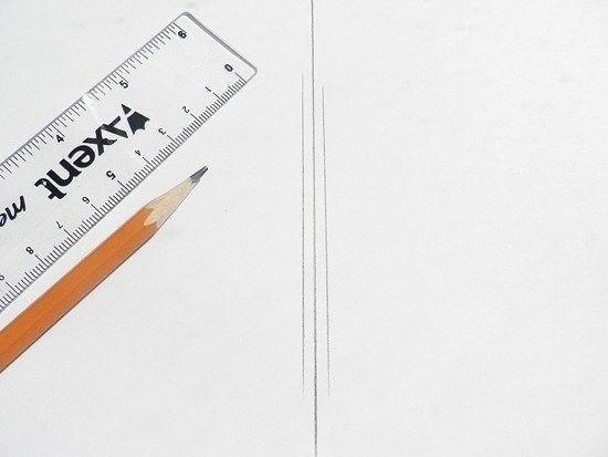 Бабочка из пластиковой бутылки Материалы: Бумага, линейка, карандаш, ножницы, фломастер; Прозрачная пластиковая бутылка; Кусочек белой кружевной ткани; Бисер и бусины; Водостойкий прозрачный