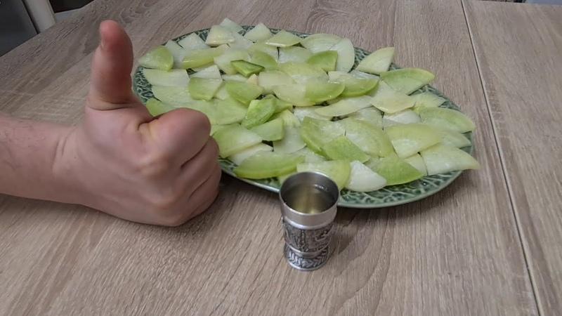 Большое блюдо закуски за 30 рублей Редька зеленая с маслом