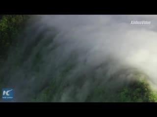 Водопад из облаков в Хубэе