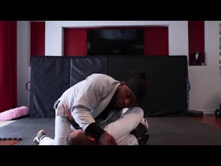 Alec Baulding -  Choke Basics  Learn how to attack from side control