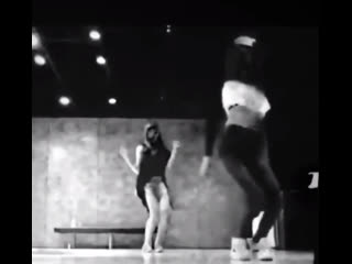 Lisa & Ros - Last Time (by Trey Songz) Ros - Best mistake (by Ariana Grande) @ predebut