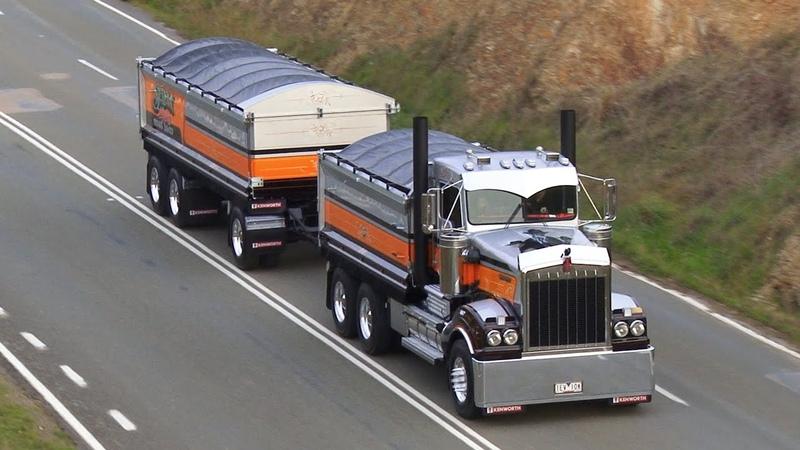 Leaving the Alexandra Truck Ute Rod Show 2015