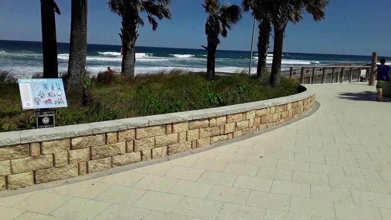 Америка Флорида Ормонд Бич пляж парк и коронавирус 2 04 2020 USA FLORIDA ORMOND BEACH