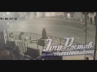 Момент дтп каршерингового авто на Ворошиловском  утром 28 октября - Это Ростов-на-Дону!