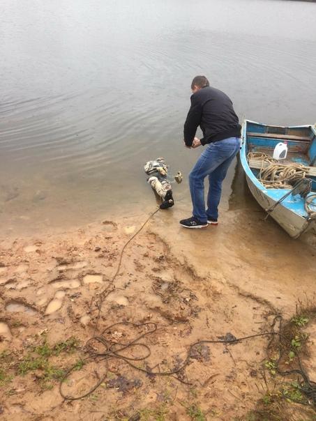 Но вернемся в Беларусь. Молодцы ребята. Дайв -клуб Сталкер с помощью передового оборудования обнаружил в озере Тулово труп мужчины который там пролежал два года. Его убили и утопили тело. К ним