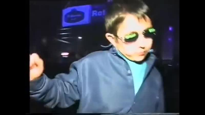 Elsever Qemli - У моей девушки день рождения (хит клип 2019) (1).mp4