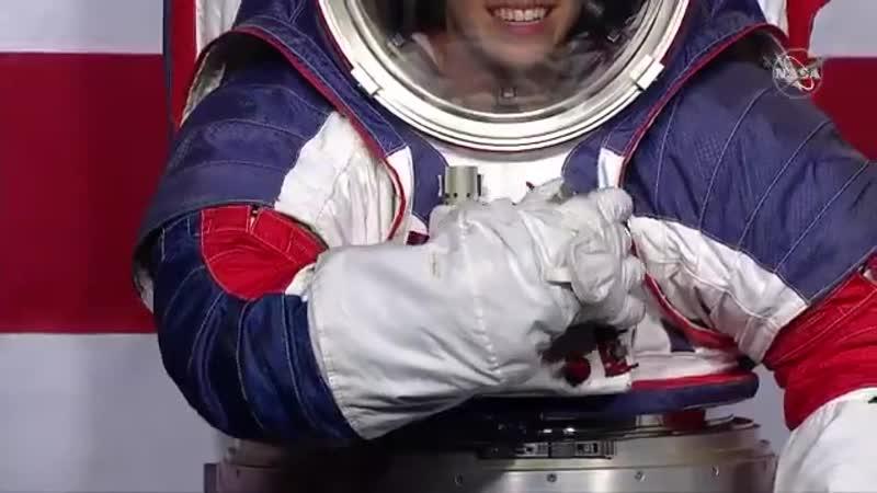 NASA представила новые скафандры