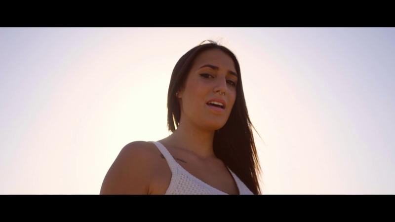 Estela Trujillo - Siento Que Muero (Official Video)