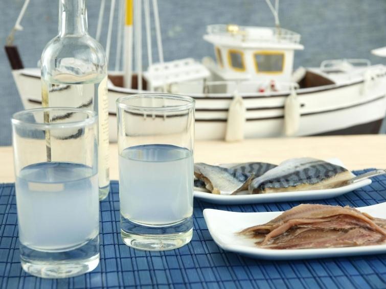 10 национальных алкогольных напитков из разных уголков земного шара, изображение №2