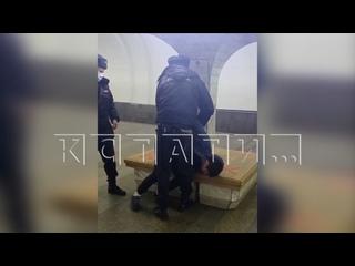 Сотрудники полиции, нарушающие масочный режим - пр...