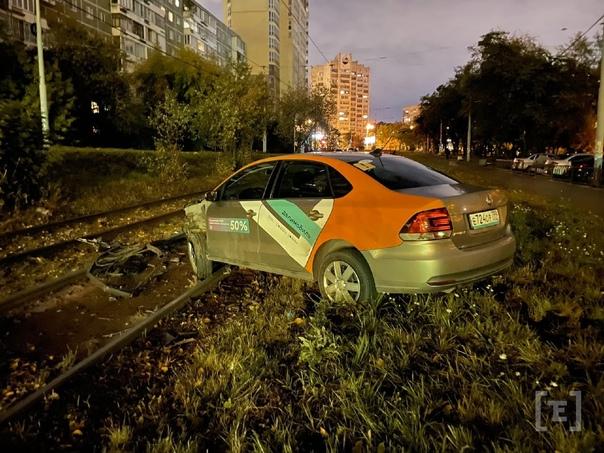Парковка на Белореченской. Подписчик обнаружил маш...