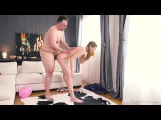 трахнула отчима пока мамка на работе) - Ivi Rein - Balloons [Новое порно, На кам