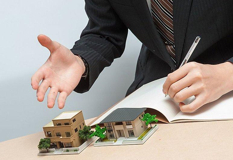 Что делает специалист по жилищным вопросам?