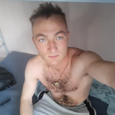 Паша, 24, Kuril'sk