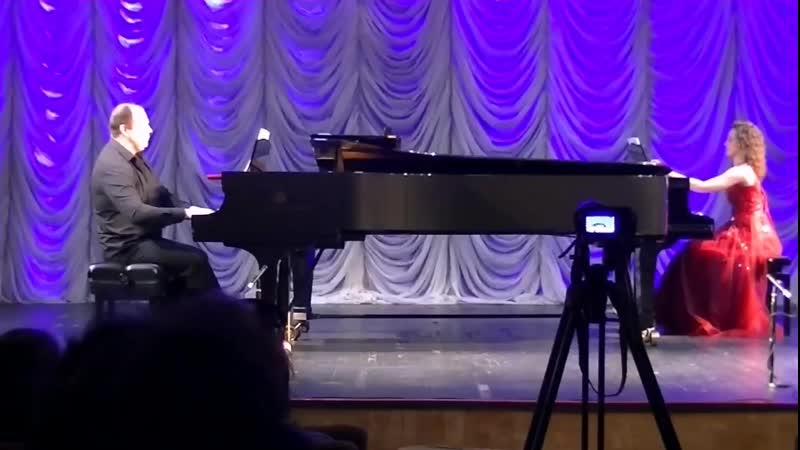 С.В Рахманинова Светлый праздник из сюиты для двух фортепиано Анастасия Таран и Александр Хорунжий .mp4