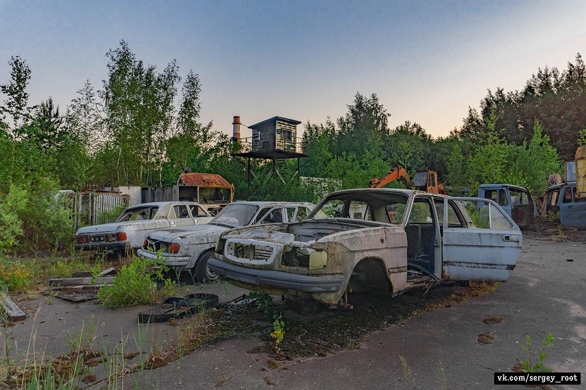 Автомобильное кладбище в Тверской области - Фото