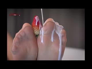 BEAUTY SILK SOCKS BEAUTIFUL FOOT MILK STRAWBERRY BATH [fetish panties feet footfetish porn stockings pantyhose lingerie ecchi]
