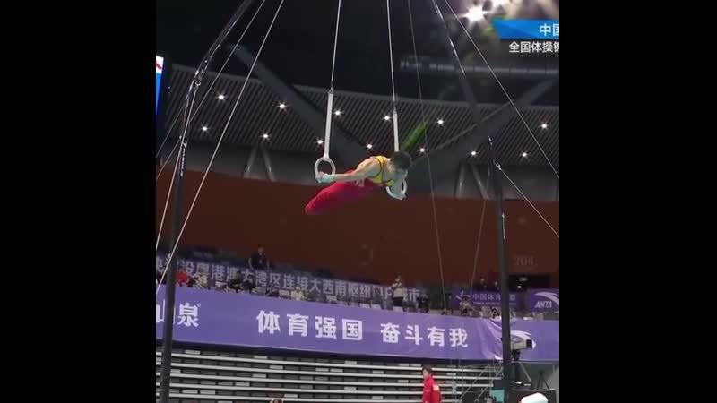 Блестящее выступление китайского гимнаста