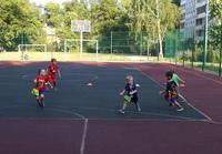 Вчерашнее занятие младшей группы на спортивной площадке школы №112 (Свободы, 193).