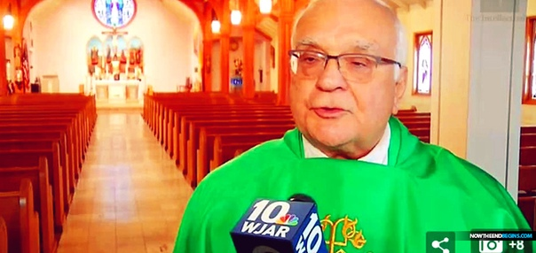 Я выбираю из двух зол! В США 72-летний преподобный Ричард Буччи, занимающий пост пастора одной из католических церквей, борется с внушительной волной критики, ставшей следствием его