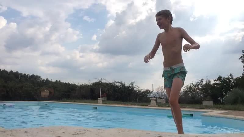 Zwembad is ijskoud 10E vakantie vlog
